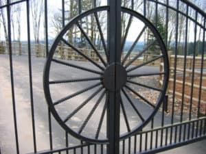 Western Wagon Wheel Gate Center Piece